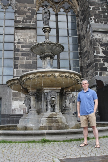 Fountain at Kölner Dom (Cologne Church)